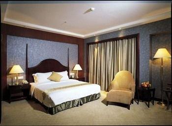 Grand Royal Hotel - фото 2