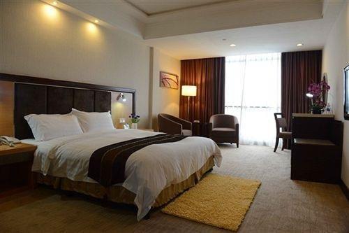 Longcheng Golf Hotel, Shipai