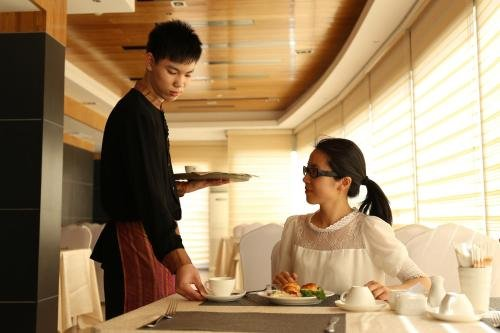 Yi Mei Plaza Hotel - фото 11