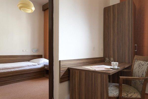 Hotel Praha - фото 9
