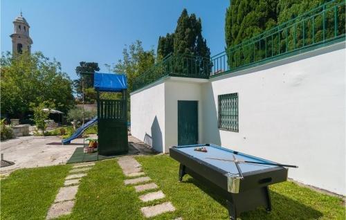 Holiday home Kastel Luksic Novi Put - фото 7