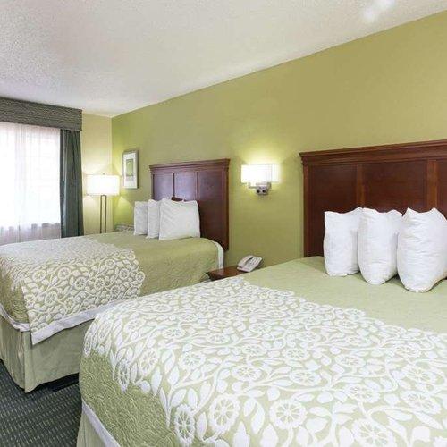 Photo of Days Inn & Suites by Wyndham Big Spring