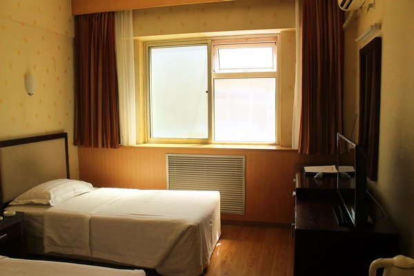 Rongbao Hotel - фото 1
