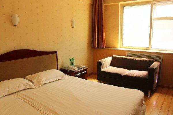 Rongbao Hotel - фото 2