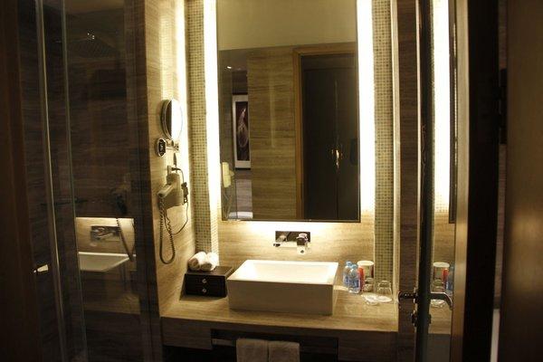 C.Kong Hotel - фото 11