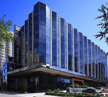 C.Kong Hotel - фото 20