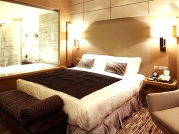 C.Kong Hotel - фото 4