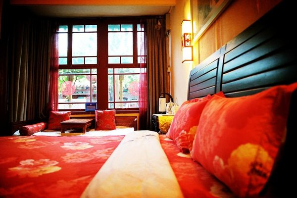 Liuhe Courtyard Hotel - фото 1