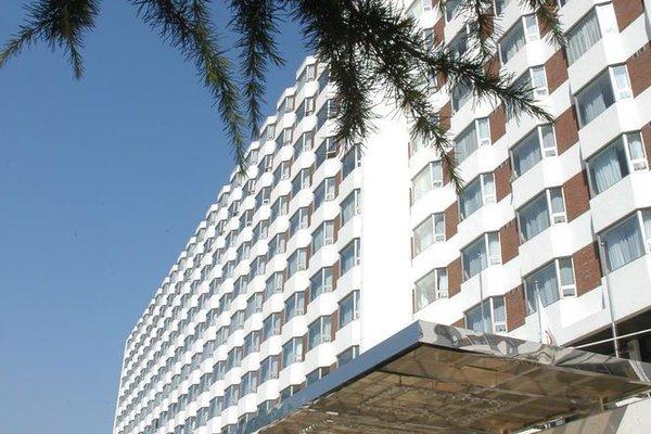 Jing Lun Hotel - фото 23