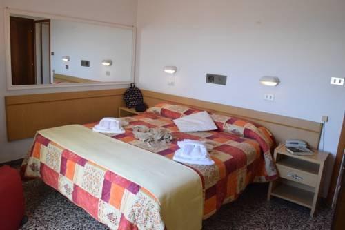 Hotel Columbia - фото 9