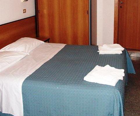 Hotel Half Moon - фото 2