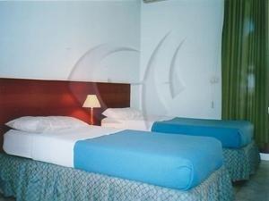 Гостиница «Mali Robit Golem», Golemas