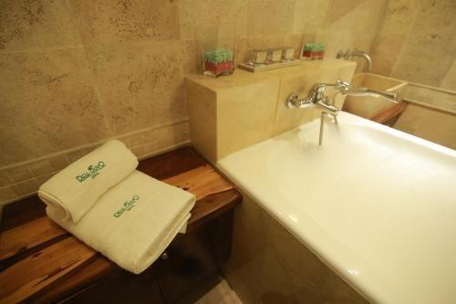 Hotel Tower Inn & Suites - фото 10