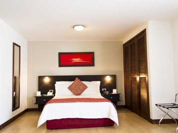 Leblon Suites Hotel