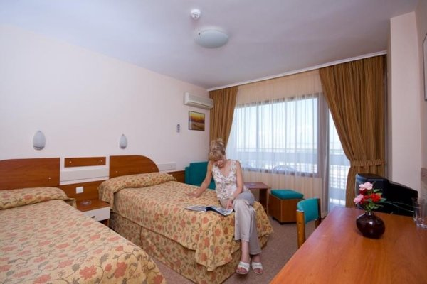 Bourgas Beach Hotel - Все включено - фото 2