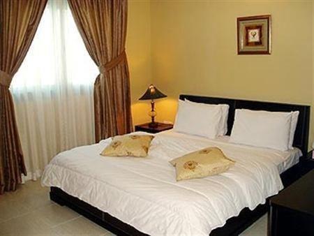Miramar Hotel Apartment - фото 0