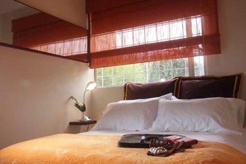 6 Suites Hotel