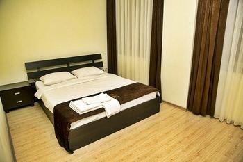 Plaza Hotel - фото 6