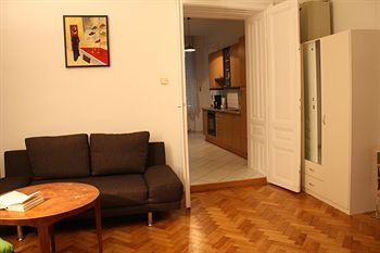 Homelike City Apartment - фото 10