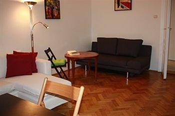 Homelike City Apartment - фото 14