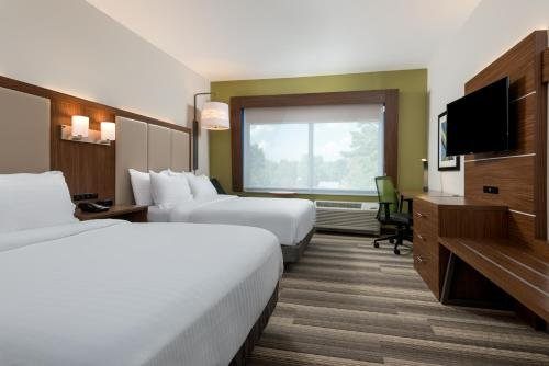 Photo of Holiday Inn Express Queensbury-Lake George Area, an IHG Hotel