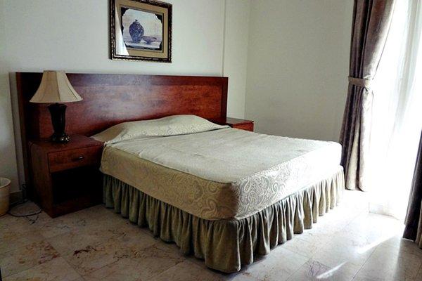 Adhari Hotel, Манама