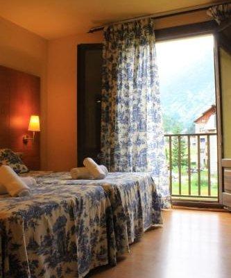 Hotel Saurat - фото 1