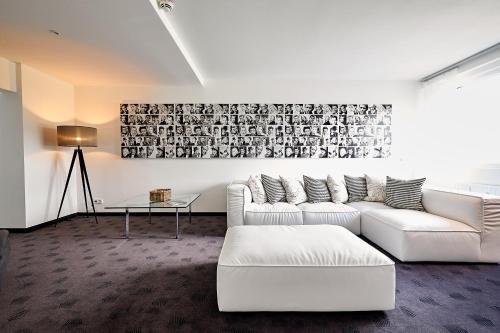 IAT PLAZA Hotel - фото 3