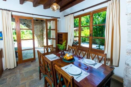 Z & X Holiday Villas - Miliou Area - фото 10
