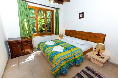 Z & X Holiday Villas - Miliou Area - фото 2