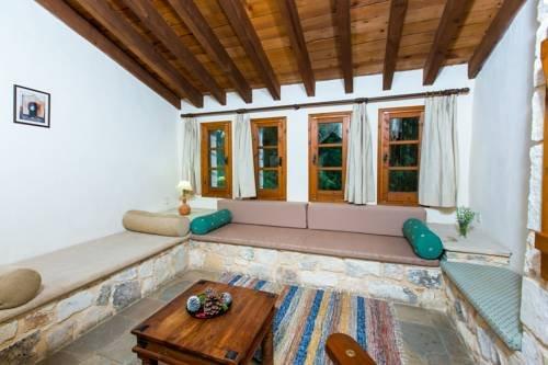 Z & X Holiday Villas - Miliou Area - фото 6