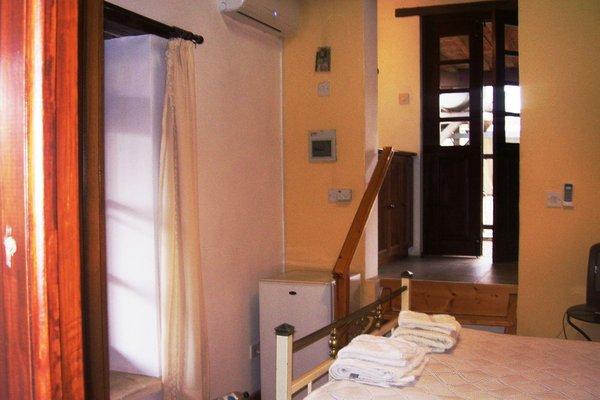 Гостевой дом «Avli Traditional Holiday Houses», Литродонда
