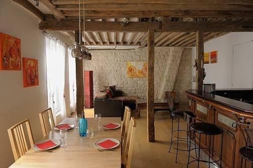 Typical Apartment - Paris City Centre - фото 6