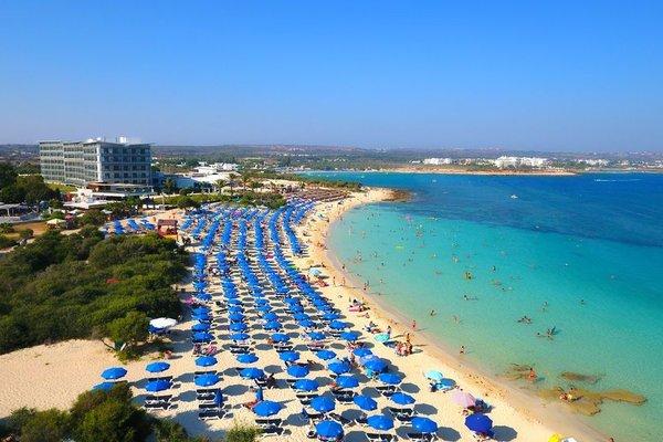 Asterias Beach Hotel - фото 4