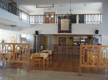 Fedrania Gardens Hotel - фото 17