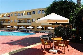 Nicholas Color Hotel - фото 18