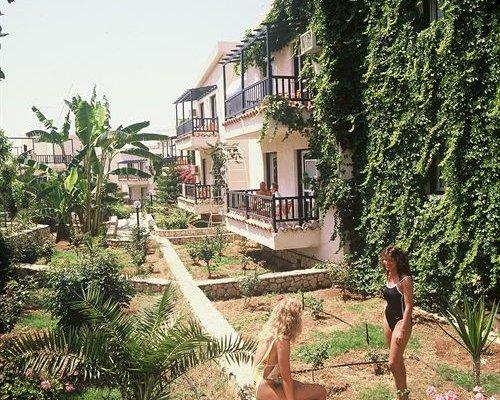 Aphelandra Hotel Apartments - фото 18