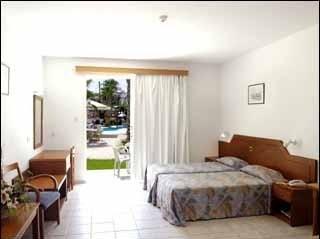 Petrosana Hotel Apartments - фото 1