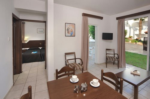 Petrosana Hotel Apartments - фото 12