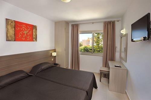 Petrosana Hotel Apartments - фото 2