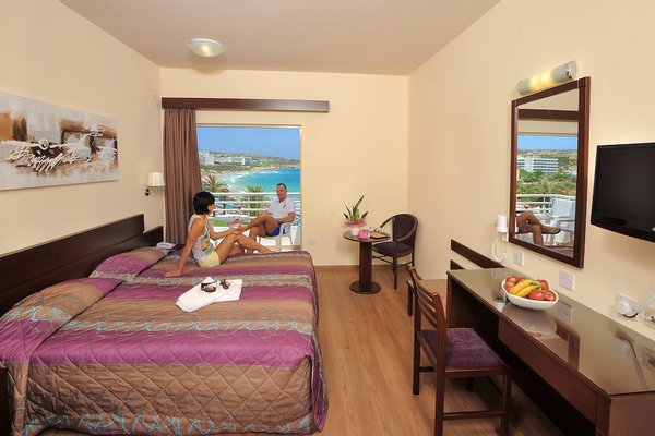 Okeanos Beach Hotel - фото 2