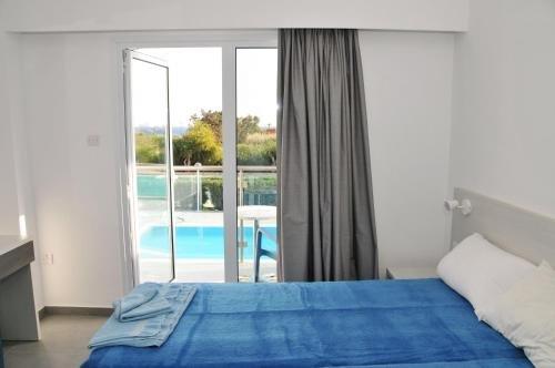 Kaos Hotel Apartments - фото 1