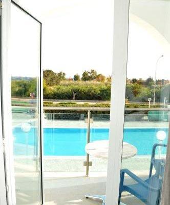 Kaos Hotel Apartments - фото 13