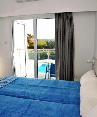 Kaos Hotel Apartments - фото 2