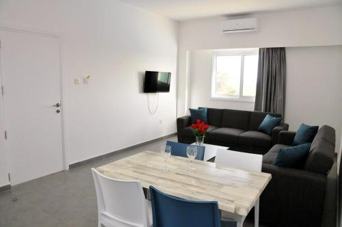 Kaos Hotel Apartments - фото 6