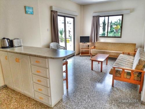 Maricosta Apartments - фото 11