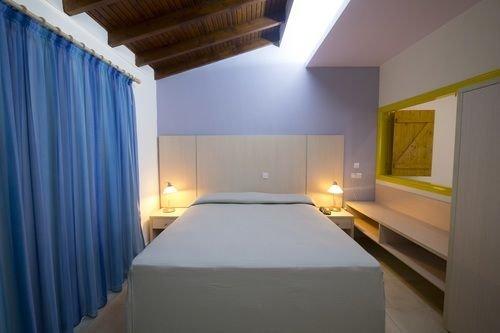 MyroAndrou Hotel Apartments - фото 2