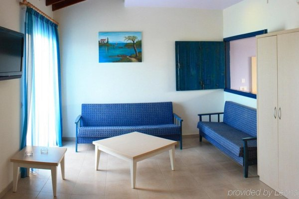 MyroAndrou Hotel Apartments - фото 6