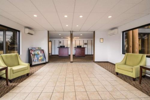 Photo of Rodeway Inn & Suites Portland - Jantzen Beach