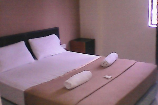 Royals Star Hotel, Kampung Ampangan